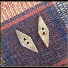 Flat Horn Toggle - lozenge