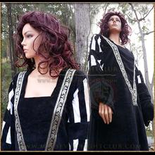 Black Fantasy dress - white/black sleeves